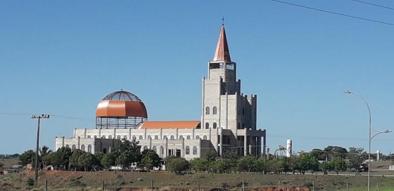 Cedida - Com cúpula e coruchéu, Santuário de Santo Expedito está tomando sua forma final