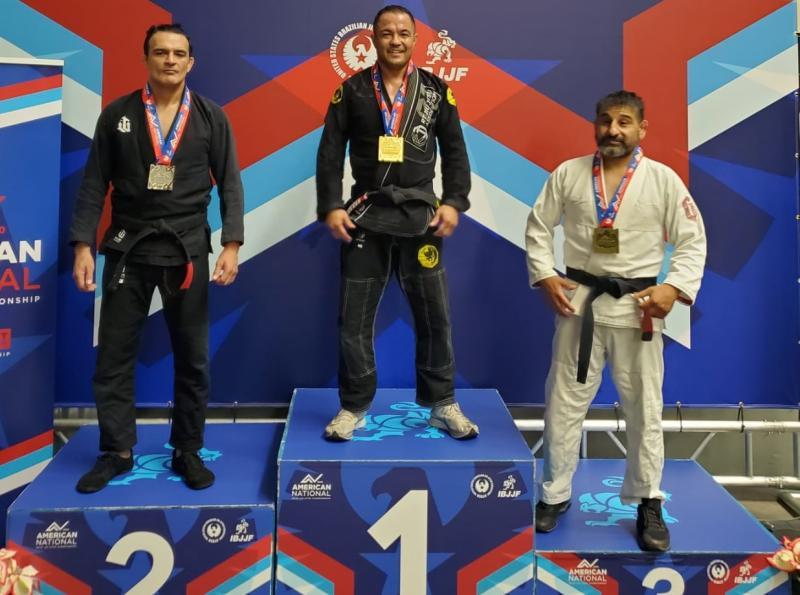 Brasileiro ganhou duas medalhas de ouro e uma de prata