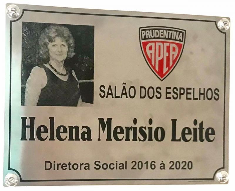 Espaço passa a ser denominado Salão Helena Merisio Leite