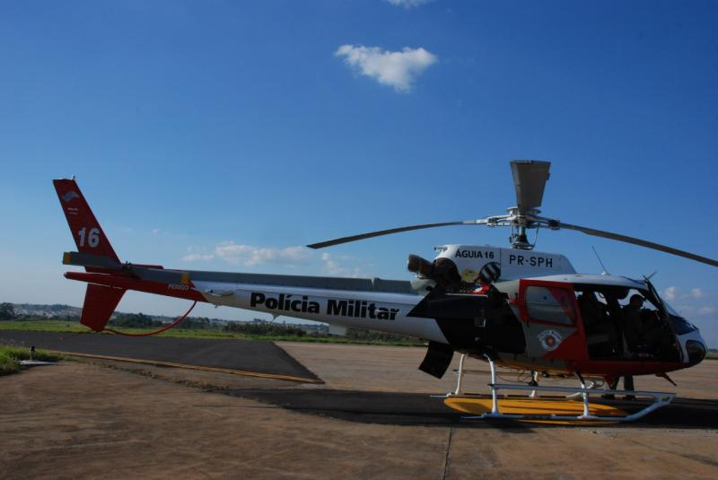Além de um grande número de viaturas, até helicóptero fica de prontidão durante a festa