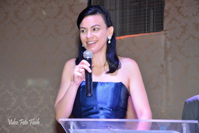 Jornalista mostra sua versatilidade como assessora de comunicação e marketing da Sicredi