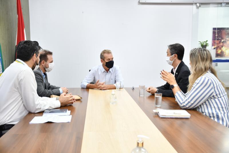 Diretoria do banco visitou Prefeitura para anunciar empreendimento