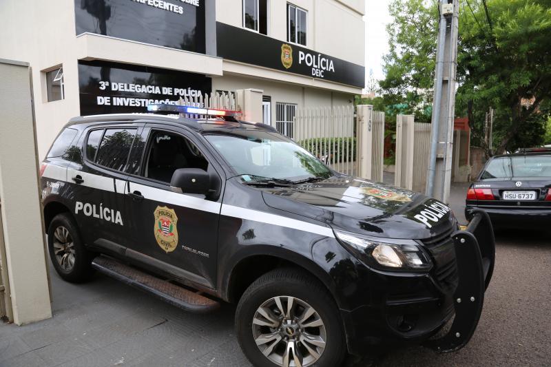 Três indivíduos foram presos em flagrante e conduzidos à sede da Deic-8
