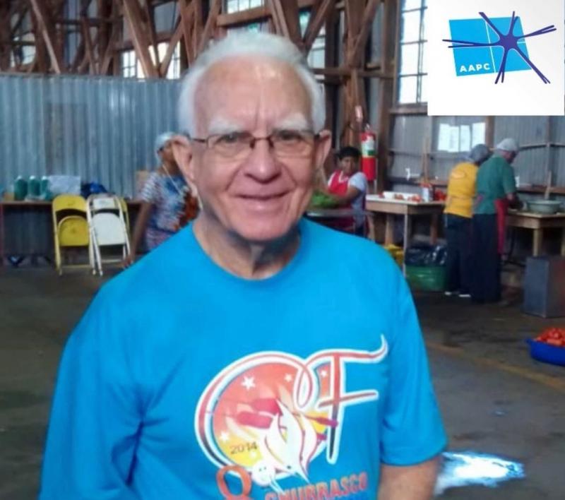Octavio Longhi, atuando como voluntário, em um dos eventos filantrópicos aos quais se dedicou em Prudente