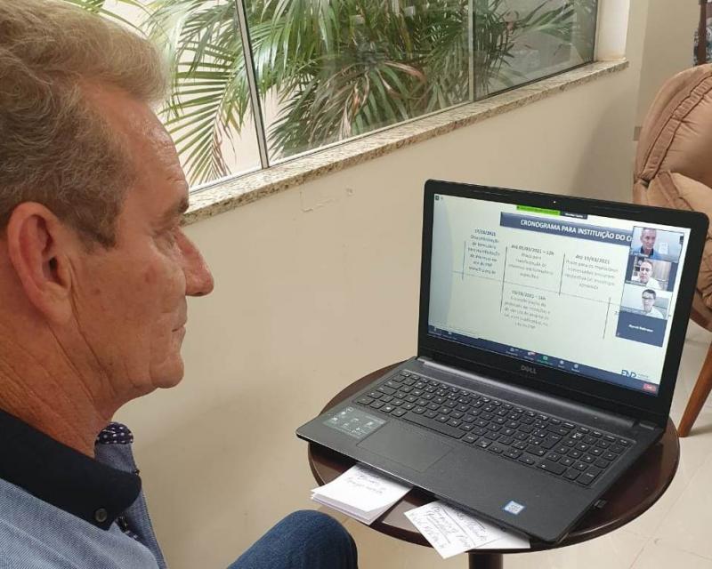 Ed Thomas participou de videoconferência da Frente Nacional de Prefeitos nesta segunda-feira