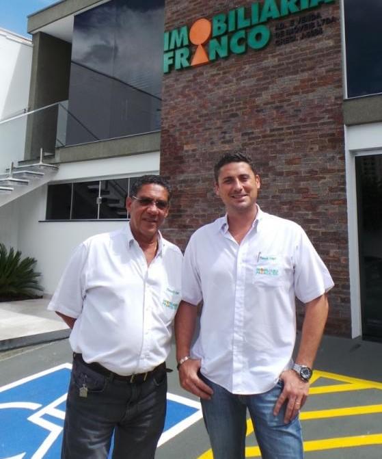 Imobiliária Franco é gerida pelos sócios-proprietários Jackson Carlos Franco e Leandro Embersics Franco