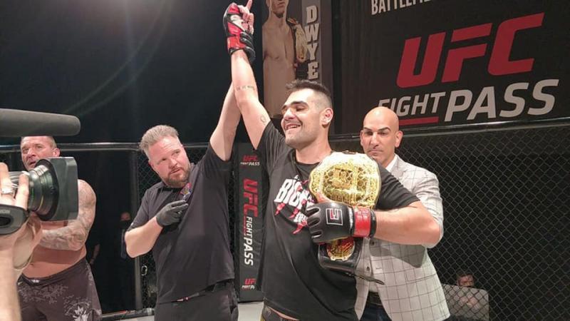 Caio venceu o experiente Lee Mein e manteve o cinturão de ouro do Battlefield Fight League