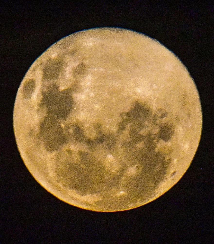 "O fenômeno da ""Super Lua"", fotografado domingo, por Roberto Mancuso"