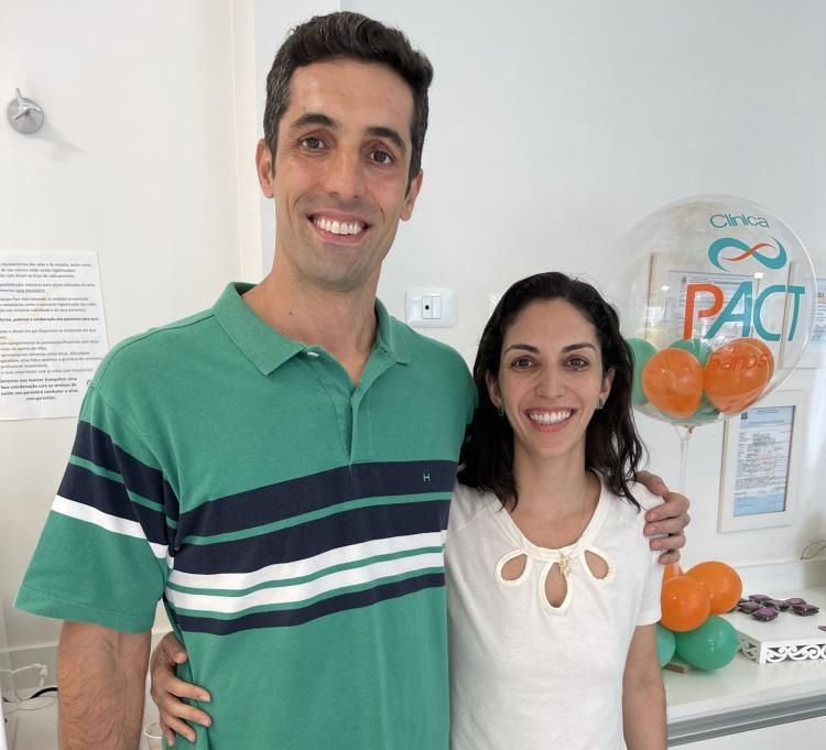 Fernanda e Diogo, ele especialista em Oesteopatia e ela em Terapia Morfoanalítica