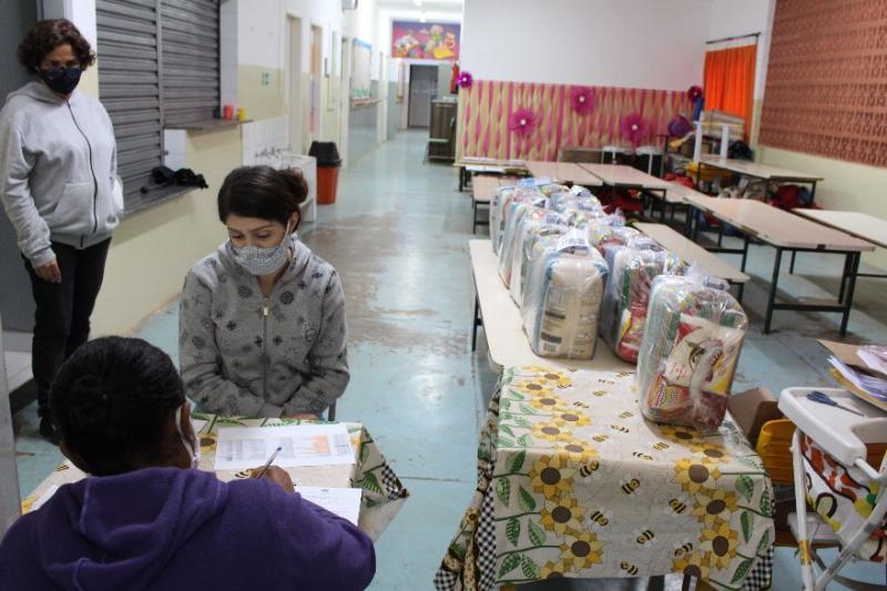 Entrega do kit irá garantir um complemento à alimentação dos alunos