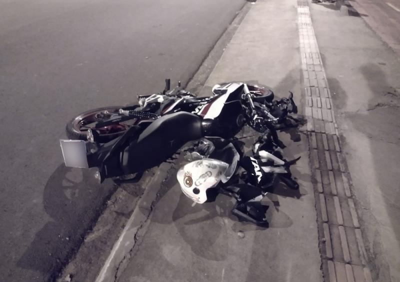 Acredita-se que o motociclista tenha perdido o controle sozinho