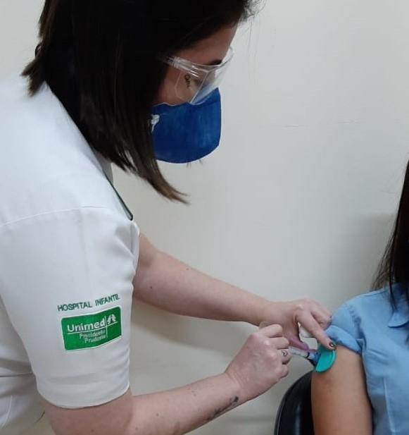 Imunização nas clínicas particulares ocorre por meio de agendamento