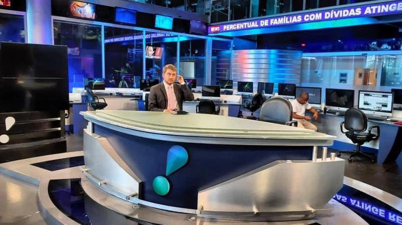 Ele é ex-aluno da Escola Estadual Monsenhor Sarrione cursou Jornalismo na Unoeste