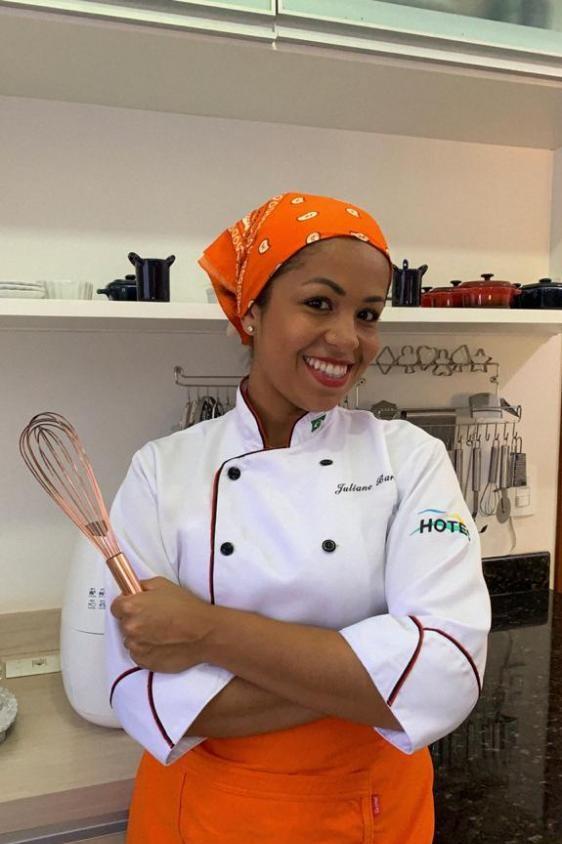Juliane Barros concretizou o projeto de ter sua própria cozinha, incentivada por tantos clientes