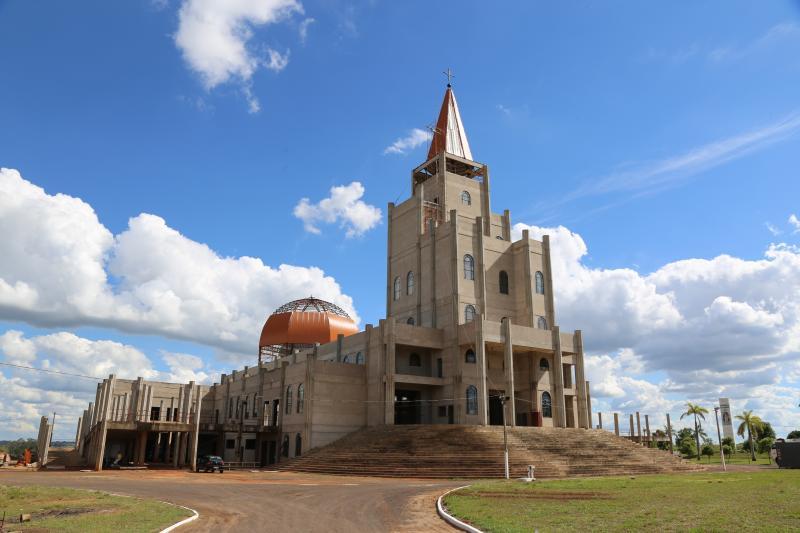 Santuário recebeu a cúpula e o coruchéu (símbolos litúrgicos) no final do ano passado
