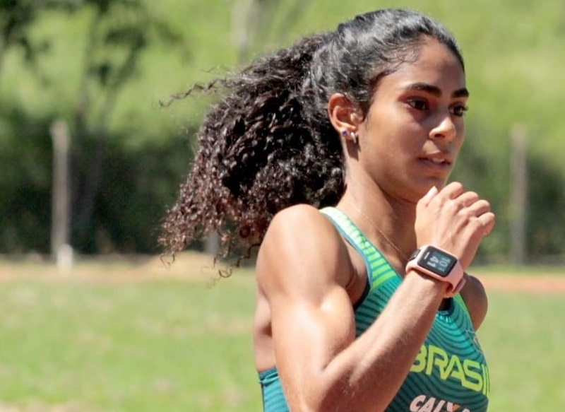 Maria Victória é a 3ª melhor atleta do Brasil na categoria 400 m