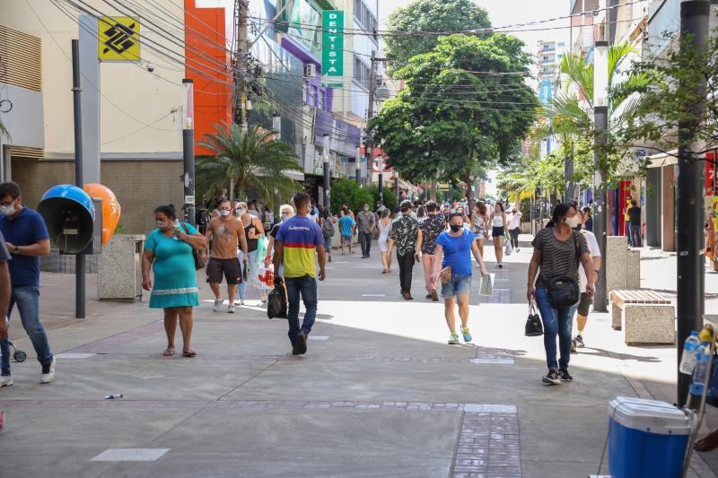 Decreto alterou horário de funcionamento do comércio de rua da cidade