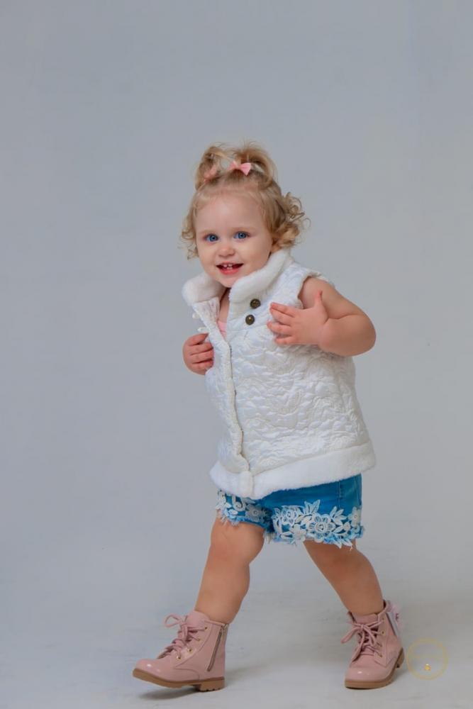 Com pouco mais de 1 aninho, ela já vem se destacando no universo da moda infantil