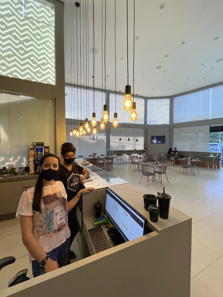Cafeteria está localizada na Rua Álvares Machado, 65 e voltou a atender de terça a sábado, das 11h às 19h