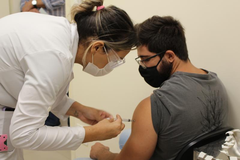 Vacinação segue mantida no Centro Municipal de Especialidades