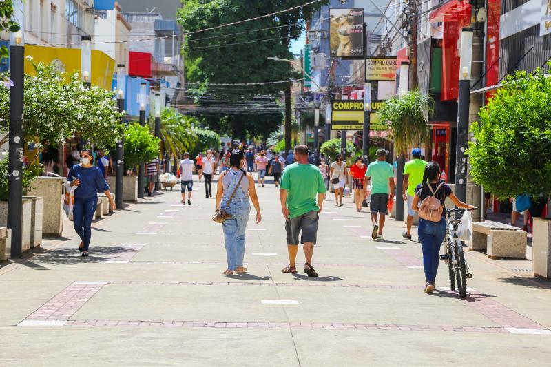 Campanha visa sensibilizar a população a comprar no comércio de Prudente
