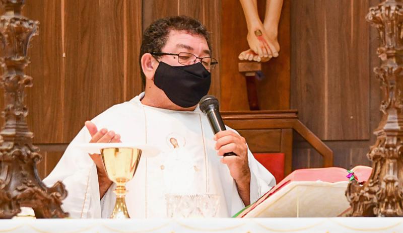 Padre Cícero administra a Paróquia Nossa Senhora Desatadora dos Nós e São José de Anchieta
