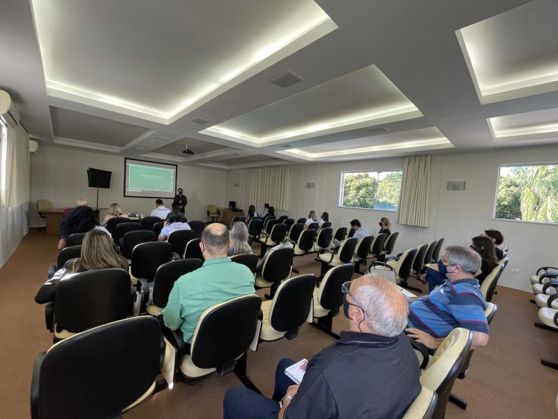 Reunião com diretores das associações comerciais, ocorreu no auditório da Casa do Médico