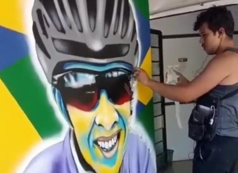 Dando início aos atletas homenageados pela Semepp, a campeã de mountain bike, Valéria Boni