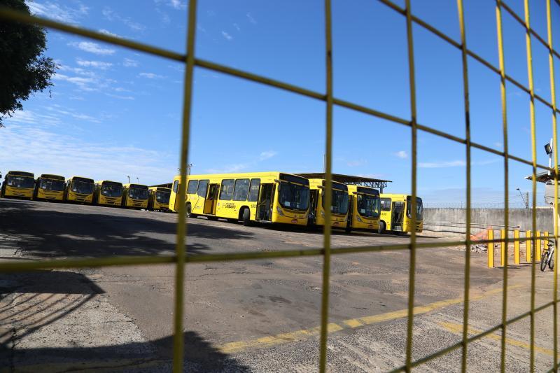 Funcionários da Prudente Urbano iniciaram ontem paralisação dos serviços