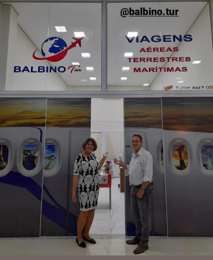Sônia e Nei Balbino inauguram novas instalações e brindam pelos 20 anos da agência