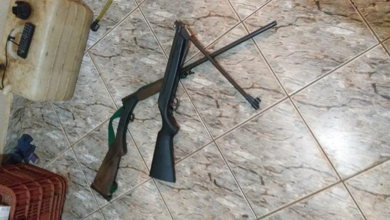 Armas e munições foram apreendidas em imóvel rural