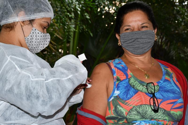 VEM orienta que o munícipe realize o pré-cadastro no site Vacina Já, para evitar filas nas unidades