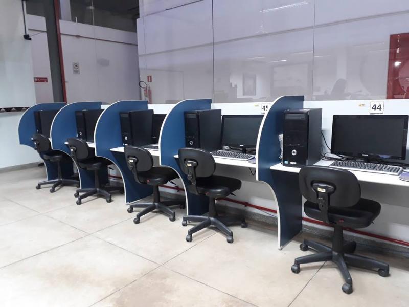 Interessados podem receber auxílio de dois funcionários no Infocentro do Matarazzo