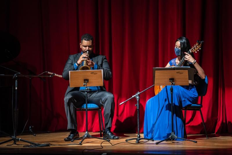 """As matrículas devem ser realizadas na Escola Municipal de Artes """"Professora Jupyra Cunha Marcondes"""", através de agendamento"""