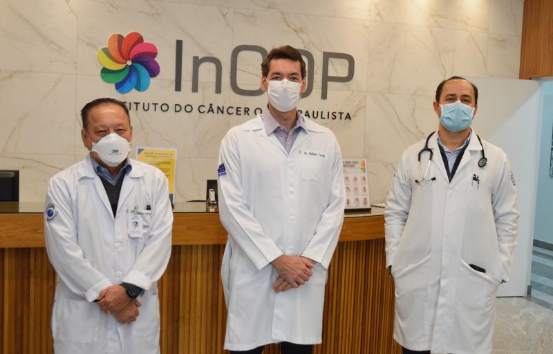 Os médicos Alberto Yamabe, Giuliano Tosello e Marcelo Cruz, do InCOP