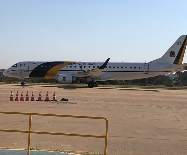 Avião presidencial aterrissou em Prudente nesta terça-feira
