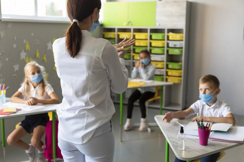 Conforme Decreto 65.849, escolas podem retomar aulas presenciais com até 100% da capacidade