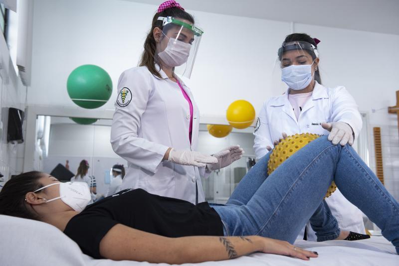 Atendimentos são realizados na Clínica de Fisioterapia da Unoeste