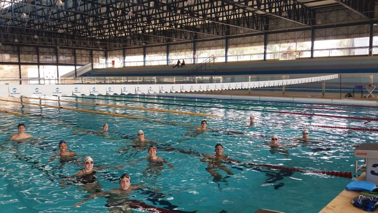 Ao todo, serão 14 nadadores, que participarão das categorias infantil e juvenil