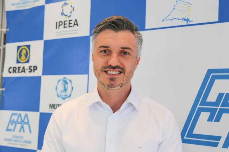 Vinicius destaca importância de contribuir com o poder público