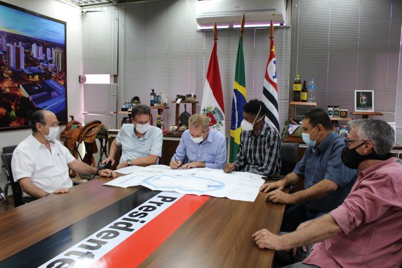 Ato foi realizado hoje, com a presença da direção da universidade e autoridades municipais