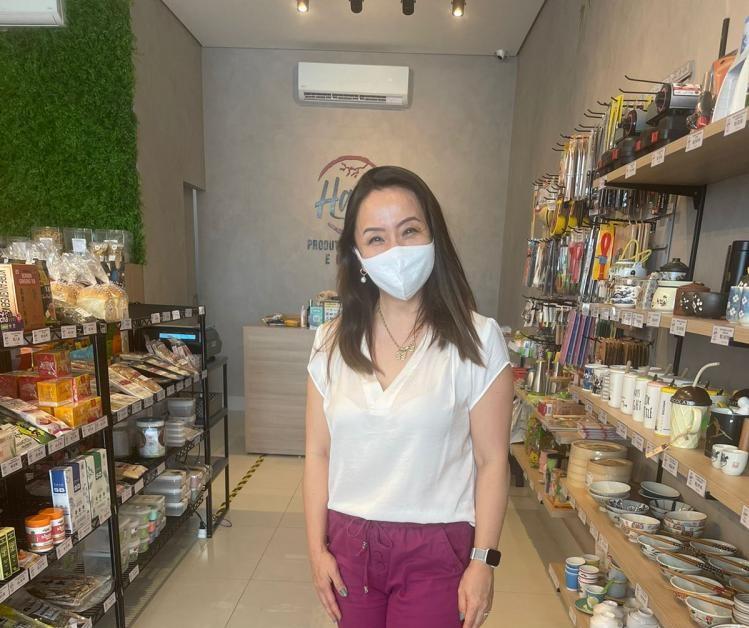 Rose Mary Miyasaki, em sua loja Haru Produtos Orientais e Naturais