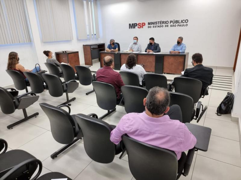 Reunião teve o objetivo de buscar a regularização profissional da categoria