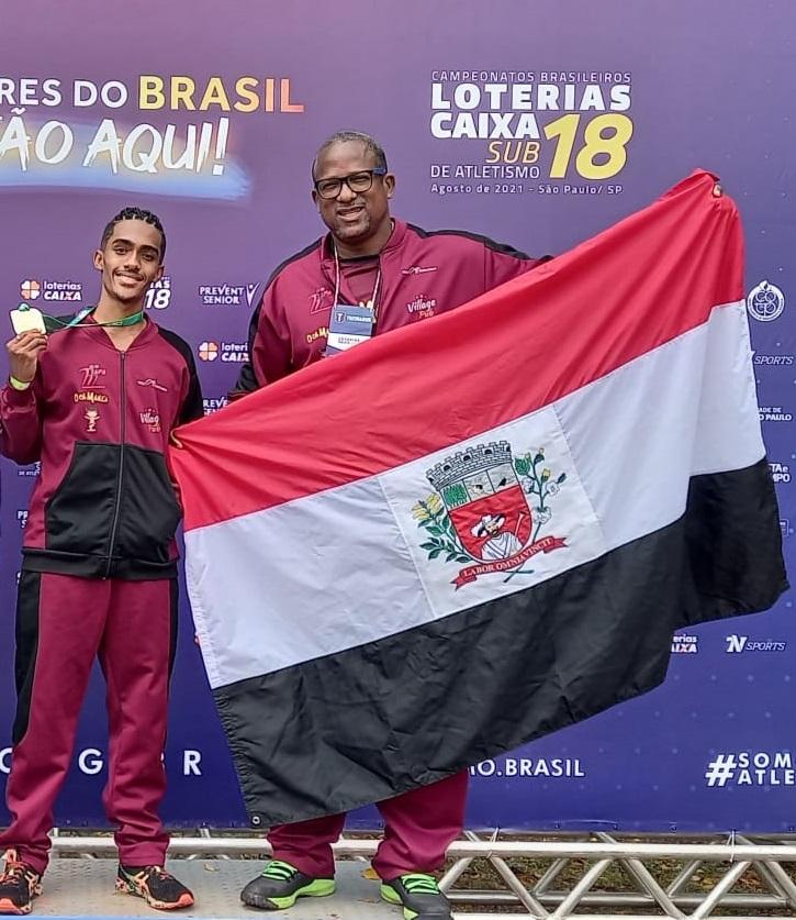 Eron Maciel de Araújo e seu técnico Cremilson Julião Rodrigues, o Montanha