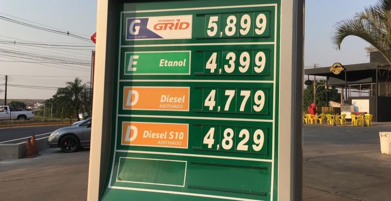 Litro do etanol é encontrado por até R$ 4,39 nas bombas de Prudente