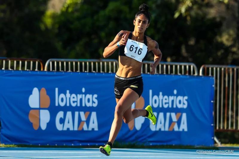 Maria Victoria compete nos 400m e no revezamento 4x400m