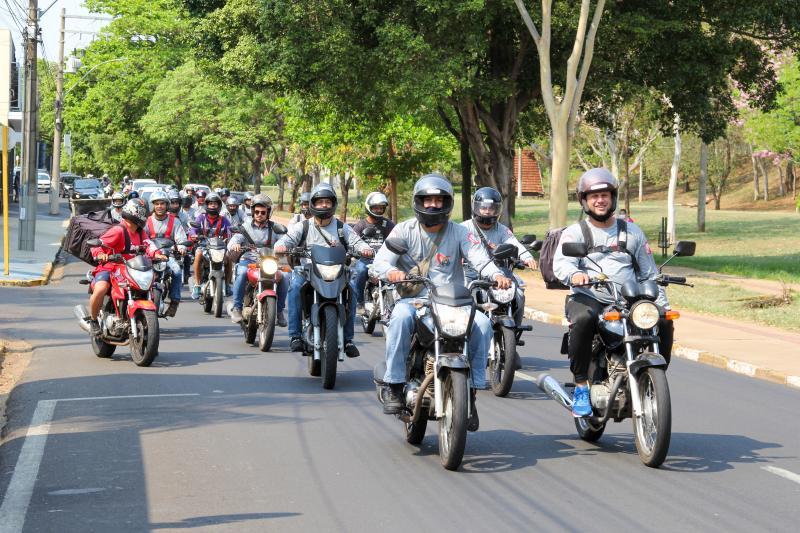 Motociclistas percorreram as principais avenidas da cidade