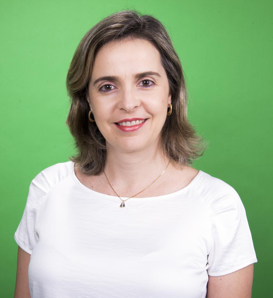 Colunista Cássia Alves Perego
