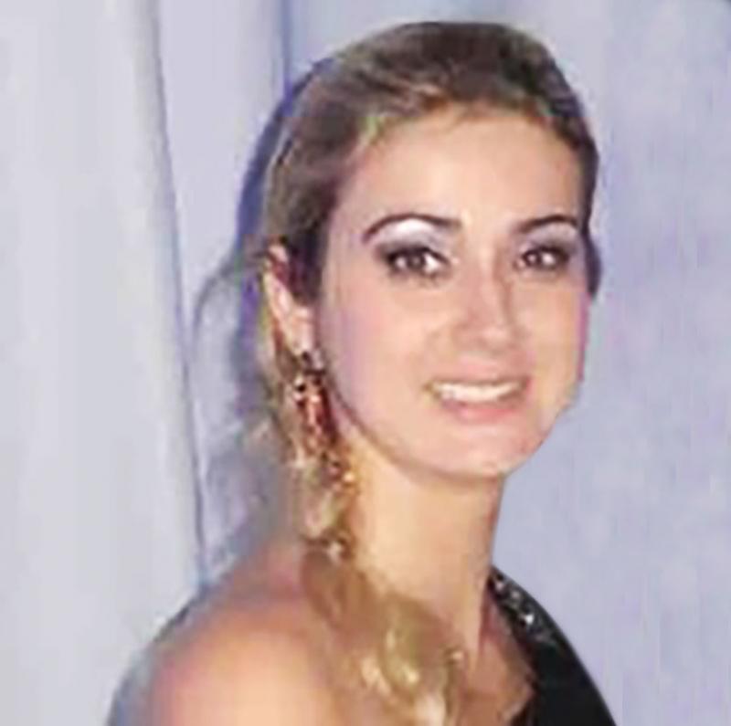 Colunista Sabrina Ferrer