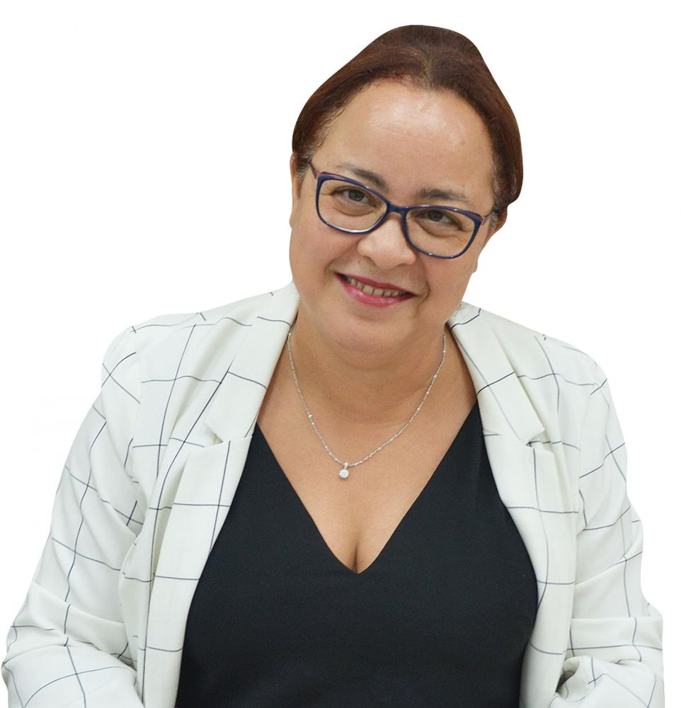 Colunista Sônia Maria Pelegrini